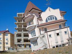 В Сочи запретили строить многоквартирные дома. Что будет с рынком жилья?